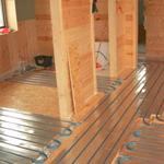 Как выбрать систему теплого пола для деревянного перекрытия